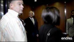Héctor O'Neill sale del tribunal mientras los fiscales ni...
