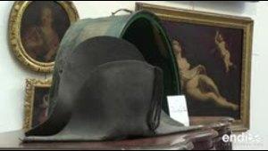 Subastan un sombrero de Napoleón recuperado en Waterloo e...