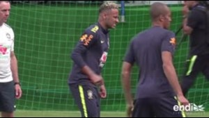 Se encienden las alarmas en Brasil: Neymar sale lastimado