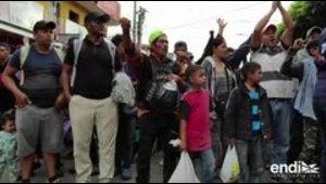 Caravana de migrantes hondureños cruza Guatemala hacia Estados Unidos
