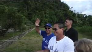 El dirigente Charlie Montoyo visita el municipio de Florida