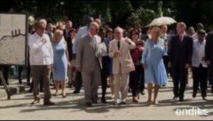 El príncipe Carlos pasea en La Habana en su segundo día d...
