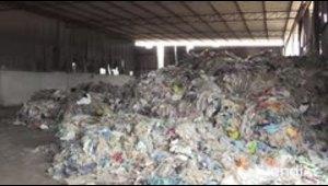 El cierre de vertederos chinos provoca caos en el reciclaje mundial