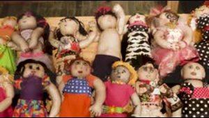 Mujeres que sufrieron violencia de género crearon muñecas...