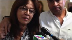 La madre de Arellys Mercado ora y se aferra a la fe