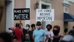 Colectiva Feminista en Construcción repudia el racismo durante una manifestación