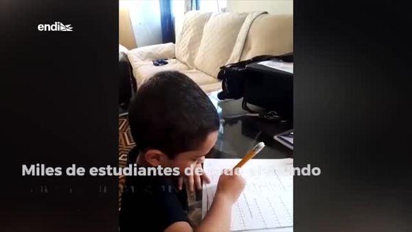 Así estudian desde sus hogares un grupo de niños en Puerto Rico