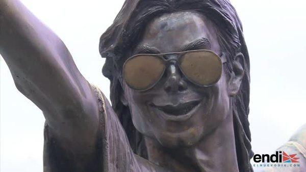 En Rio, Michael Jackson gana un fusil de asalto