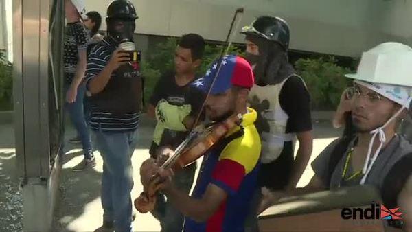 Liberado el violinista de las protestas contra Maduro
