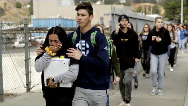 Arrestan al sospechoso del tiroteo en una escuela de California