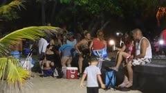 Los boricuas festejan la Noche de San Juan