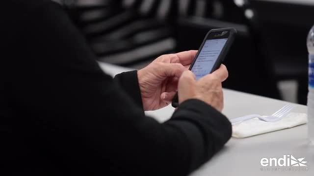 """""""Tecno-abuelos"""": talleres tecnológicos para los adultos mayores"""