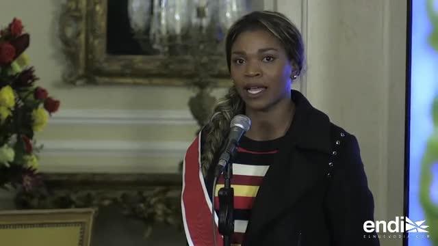 La saltadora Caterine Ibargüen fue condecorada en Colombia