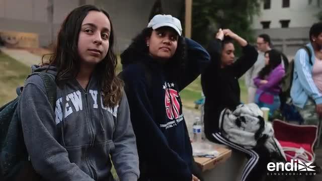 """Universitarios se amanecen por """"Hamilton"""" y le cantan a Lin-Manuel Miranda"""
