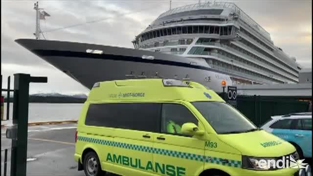 """Crucero """"Viking Sky"""" llega a puerto en Noruega tras evacuación"""