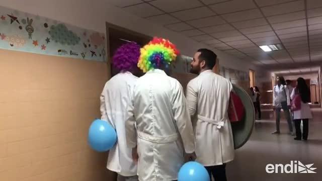 Doctores que bailan, alegría en colapsado hospital de Venezuela