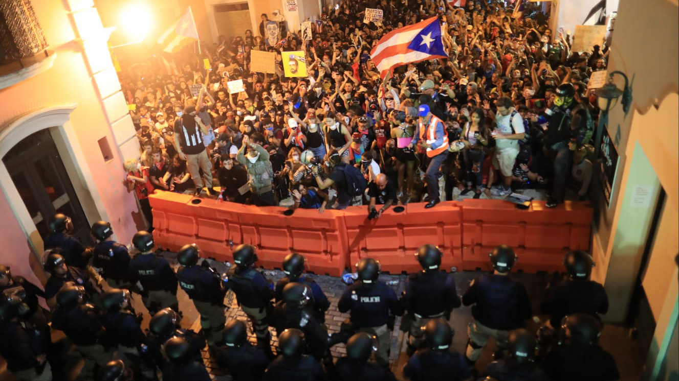 """Análisis: """"El gobernador ni se atreve a salir a la calle; está escondido"""""""