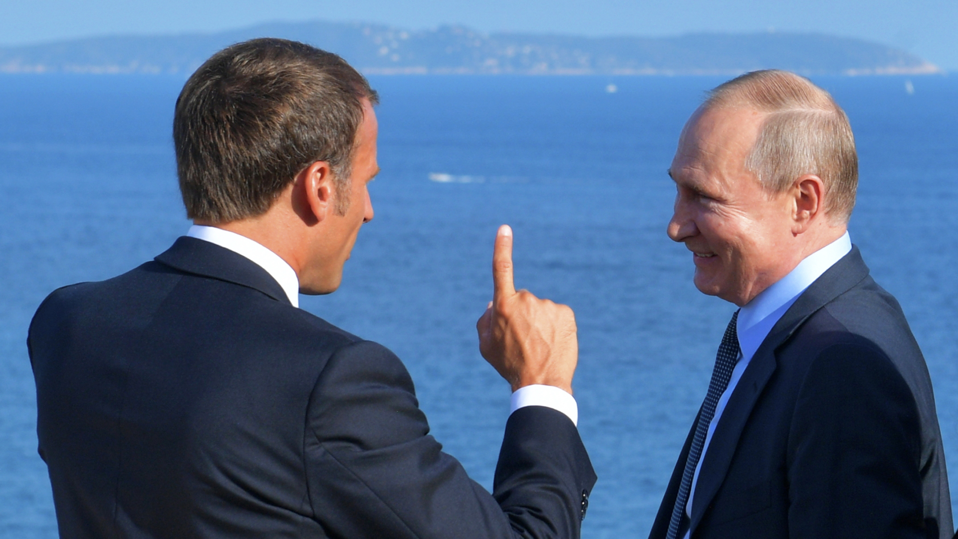¿Hacen las paces Vladimir Putin y Emmanuel Macron?