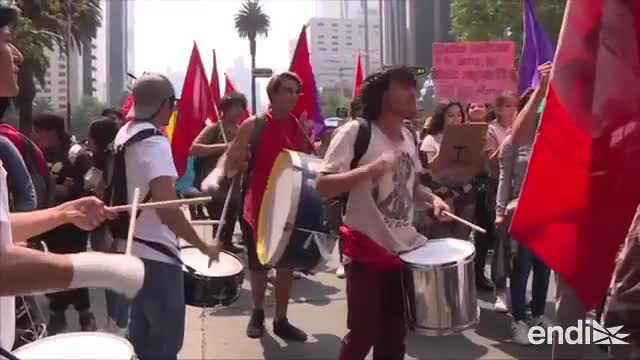 Jóvenes de América se unen a huelga global contra el cambio climático