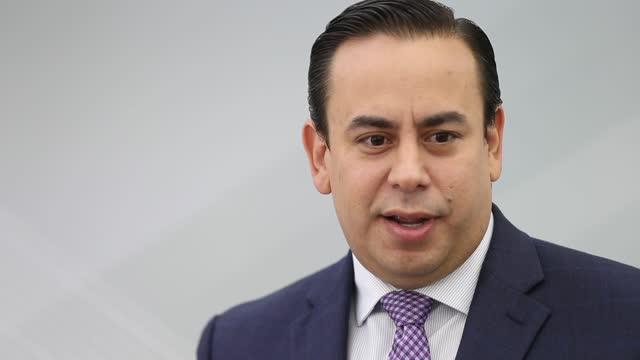William Villafañe zapatea el escándalo de las guaguas de Ricardo Rosselló