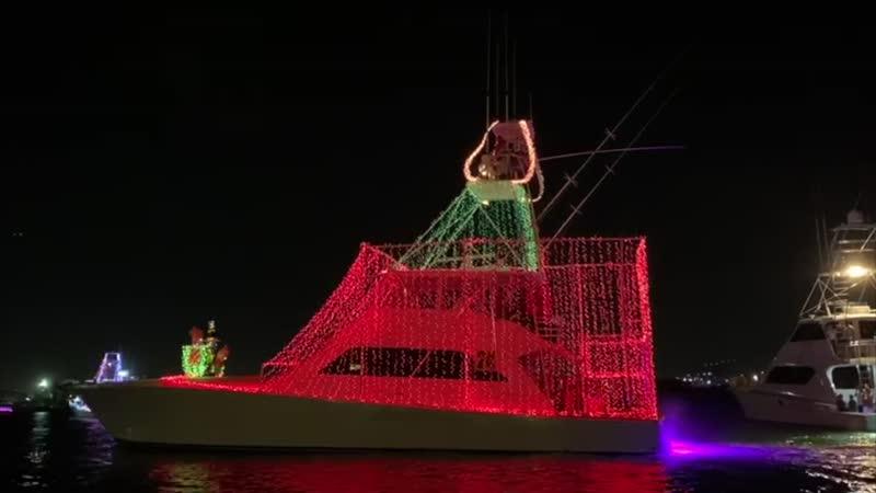 Desfile de luces en el San Juan Christmas Boat Parade