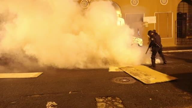 Protesta en La Fortaleza culmina en violencia