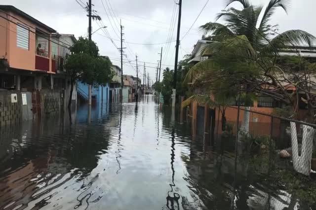 Exigen desarrollar proyectos de infraestructura para comunidades en el caño Martín Peña