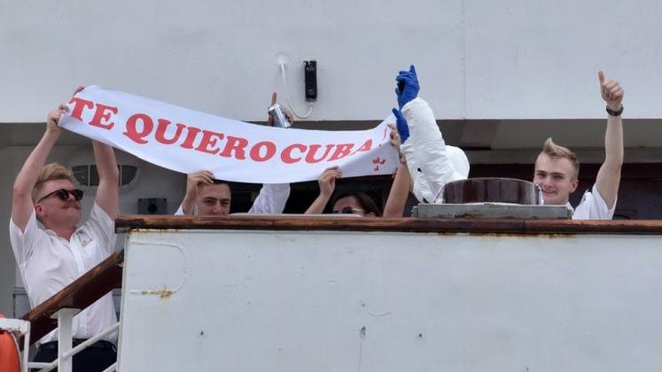 El momento en que Cuba recibe a crucero con casos de coronavirus