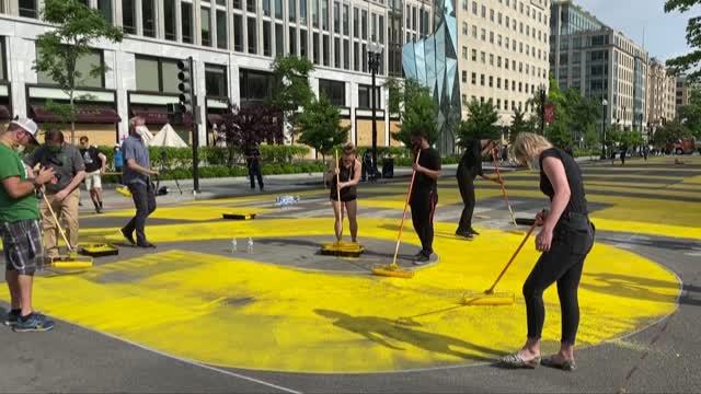 """Black Lives Matter"": así pintaron una calle frente a la Casa Blanca"